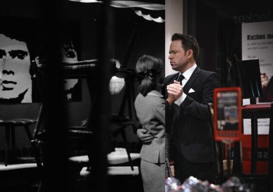 """Tanzen am Ludgeriplatz damals: Sabine Sinjen als Inge Deitert und Johannes Schaaf als """"Spezie"""". Tanzen am Ludgeriplatz heute: Ranya Abdine als Inge Deitert und Christoph Tiemann als """"Spezie"""". (Foto: Schamoni-Film/Maris Hartmanis)"""