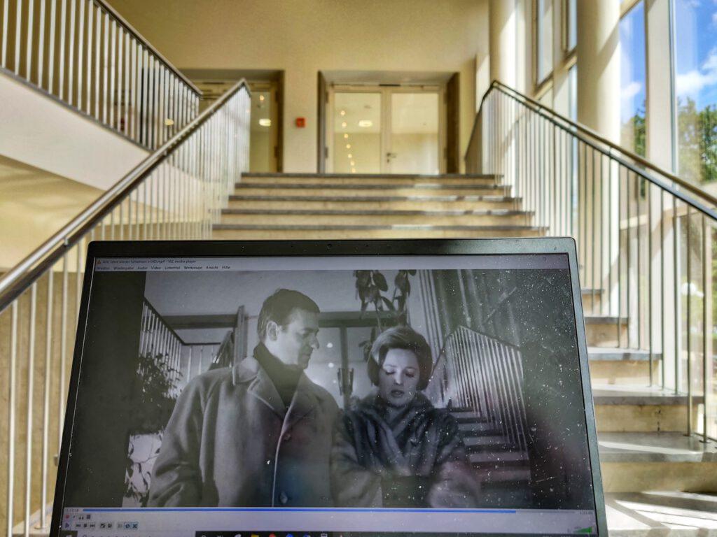 """Die Treppe aus """"Alle Jahre wieder"""". (Foto: THT)"""
